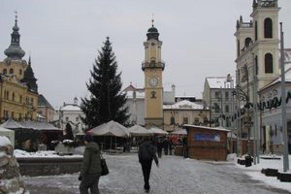 Silvester v Banskej Bystrici bude bez ohňostroja.