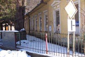 Bývalú škôlku roky obývajú bezdomovci.