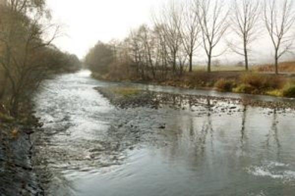 Vody v Hrone je kvôli dlhotrvajúcemu suchu málo