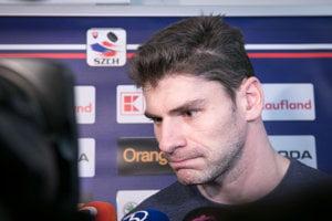 Obranca Juraj Valach sa dostal do slovenskej hokejovej nominácie na olympiádu.