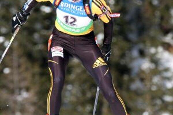 Biatlonistka A. Kuzminová obsadila v šprinte žien 10. miesto.