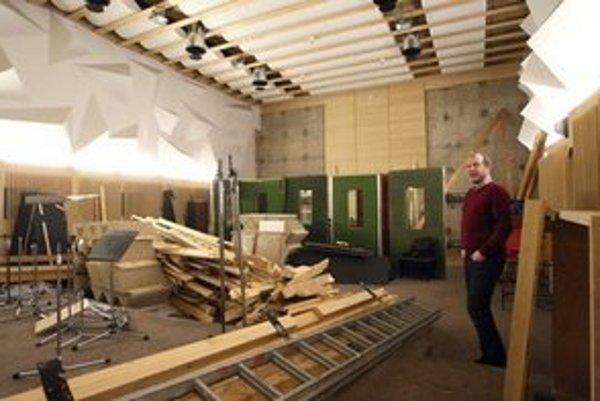 Stavebný úrad tvrdí, že na úpravy v interiéroch RTVS bolo treba stavebné povolenie.