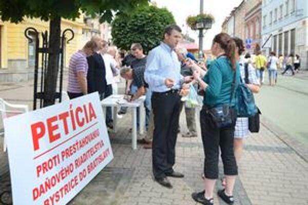 V Banskej Bystrici chceli dane udržať aj petíciou.
