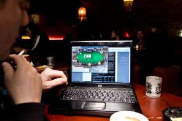 Percento používania nelegálnych softvérov na Slovensku je vysoké