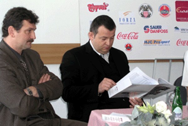 Ľubomír Roško (vľavo) končí ako riaditeľ VŠC Dukla.