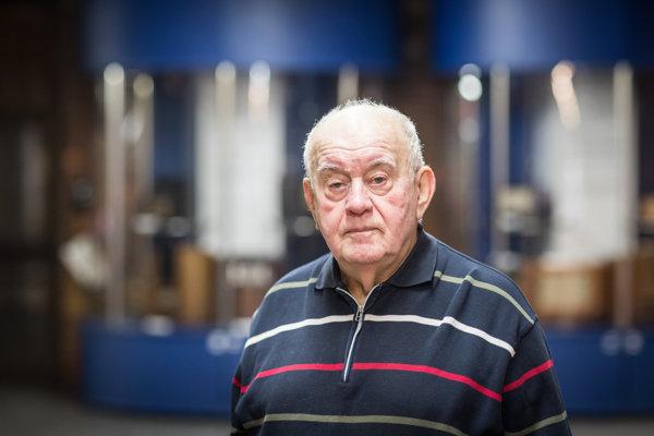 Pavol Zelenay (1928) sa narodil v Zohore. Patrí k  zakladateľom festivalu Bratislavská lýra, od roku 1967 viedol Redakciu zábavnej hudby Československého rozhlasu. Tento rok oslavuje 90 rokov.