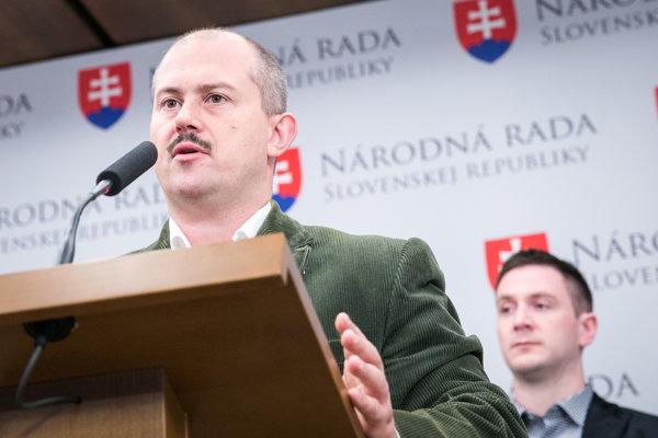 Poslanci NR SR za stranu ĽS NS Marián Kotleba a Milan Uhrík.