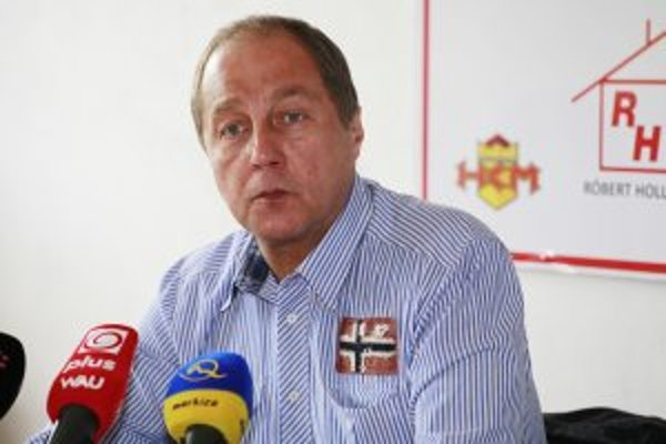 Novým trénerom HKM Zvoln sa stal Lubomir Oslizlo.
