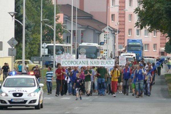Jeden z mnohých protestov proti ťažbe zlata v Detve.