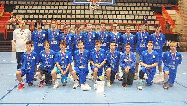 Strieborní kadeti IMC Pov. Bystrica v basketbale