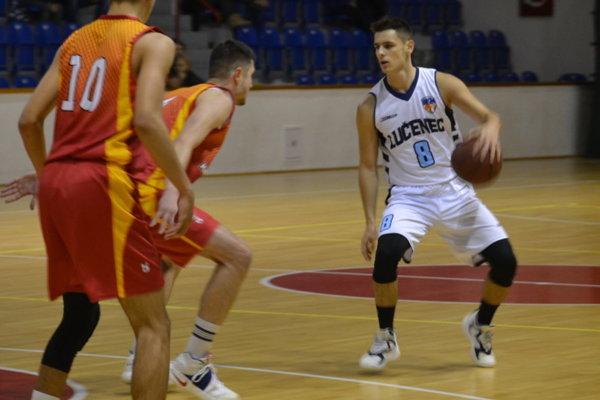 Patrik Sarna v drese BKM Lučenec.