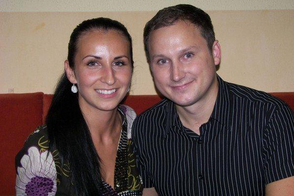 Dominika Misárová a Daniel Výrostek si povedali áno pred tromi rokmi. Dnes sú už traja, narodila sa im dcéra Ester.