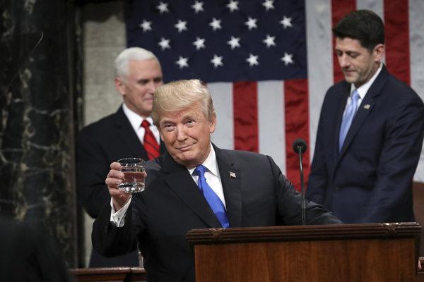 Donald Trump v Kongrese prednáša Správu o stave Únie.