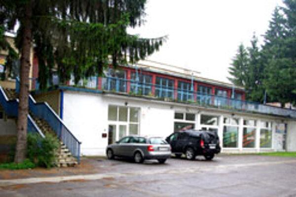 V športovej hale na letnom štadióne sa konávali veľké športové aj kultúrne podujatia.