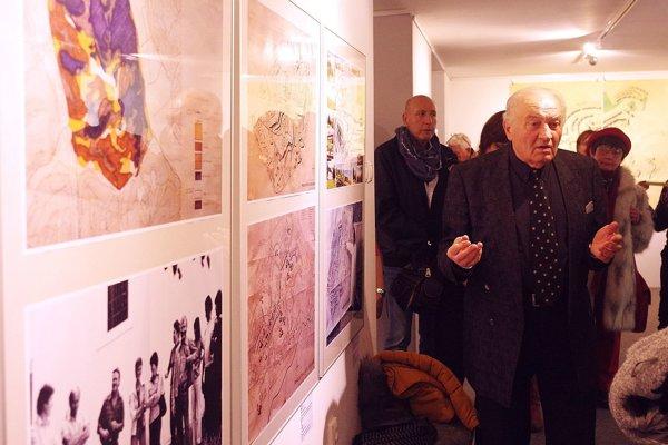 Na výstave architektov v MG ART GALÉRII v Považskej Bystrici si budete môcť pozrieť aj zaujímavé veci, ktoré dokumentujú výstavbu sídliska Rozkvet.