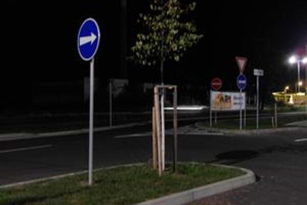 Miesto, kde sa z normálnych jazdných pruhov stáva protismer.