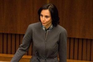 Alena Bašistová, nezaradená poslankyňa.