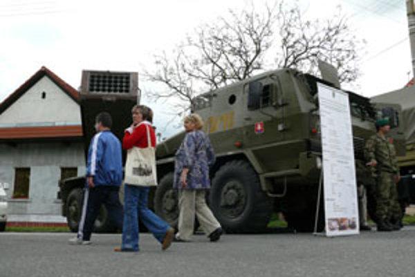 Vojenská technika zaplnila detvianske námestie.