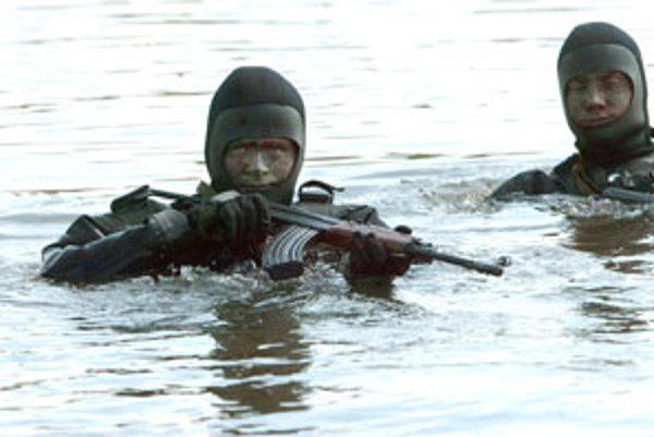 Na vododrome je možný nácvik brodenia ťažkej vojenskej techniky či výsadky do vody.