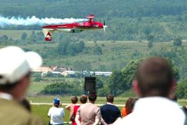 Na letisko sa po albatrosoch a migoch vrátia aj akrobatické a dopravné lietadlá.