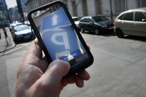 Za parkovanie sa bude dať zaplatiť aj zaslaním SMS správy.