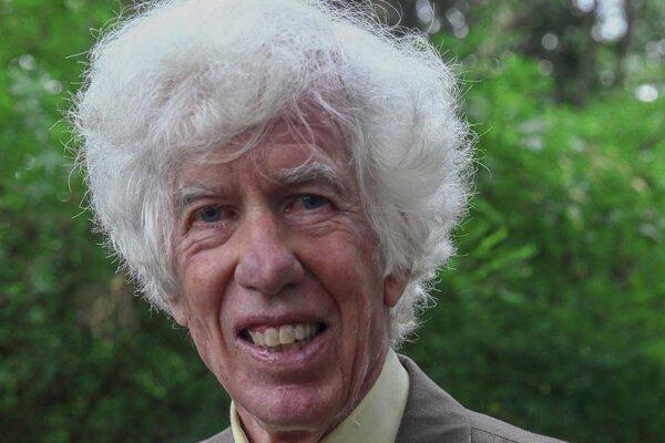 Esmond Bradley Martin, bývalý popredný vyšetrovateľ nelegálneho obchodu so slonovinou.