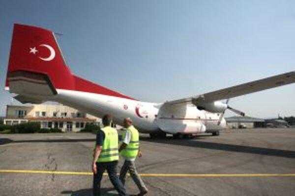 Na Sliač sa vlani po dvojročnej rekonštrukcii vrátila nepravidelná civilná preprava do Turecka a Bulharska. Za necelé štyri mesiace počas letnej charterovej sezóny vybavilo letisko 15 100 turistov.