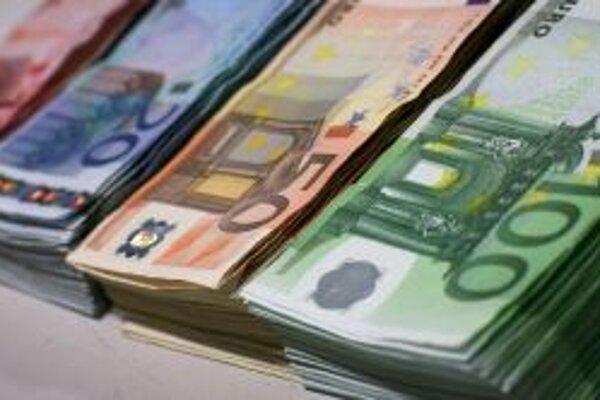 Z banky vo Zvolene si Tomáš odniesol takmer 9-tisíc eur.