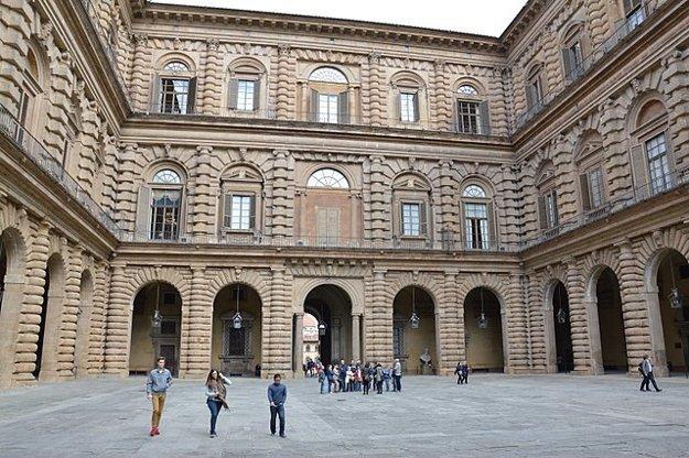 Palazzo Pitti, nádvorie