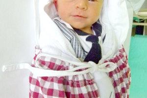 ADRIAN Kozár z Tlmáč sa narodil 28. januára šťastným rodičom Márii Gogovej a Radovanovi Kozárovi. Prvorodený chlapček po narodení meral 50 cm a vážil 3,45 kg.