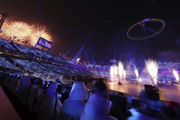 Otvárací ceremoniál olympijských hier napokon prebehol bez problémov.