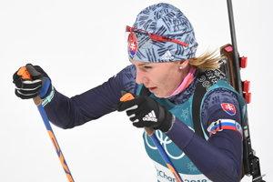 Anastasia Kuzminová vyráža do šprintu na 7,5 kilometra.