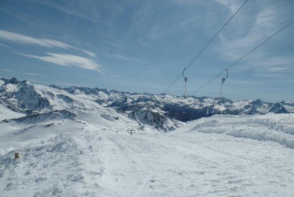 Na  lyžovačku do Pyrenejí je najlepšie vybrať sa letecky.