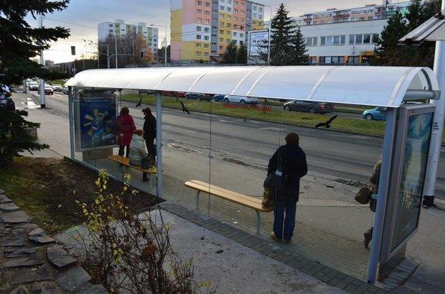 Autobusová zastávka Sládkovičova