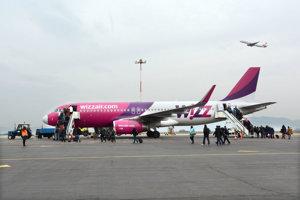 Košice im už nepasujú. Wizz Air sa rozhodol zavrieť základňu v Košiciach a radšej expandovať na východ a západ.