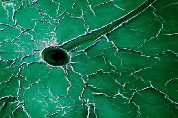 Miesta - 1. miesto: Časť močiara pri rieke Rio Tinto zničená rádioaktívnymi výtokmi.