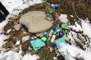 Z kanálov vytiahli obrovské množstvo odpadu, dokonca stavebný odpad po prerábaní bytového jadra.