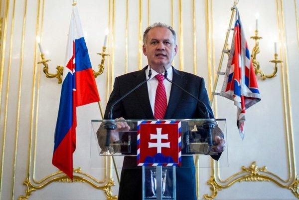 Prezident Andrej Kiska vnovoročnom prejave označil za hlavné problémy Slovenska nefunkčnosť zdravotníctva aúroveň vzdelávania najmä vzákladných školách.