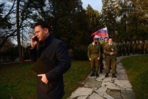 Slovenskí branci a ich šéf.
