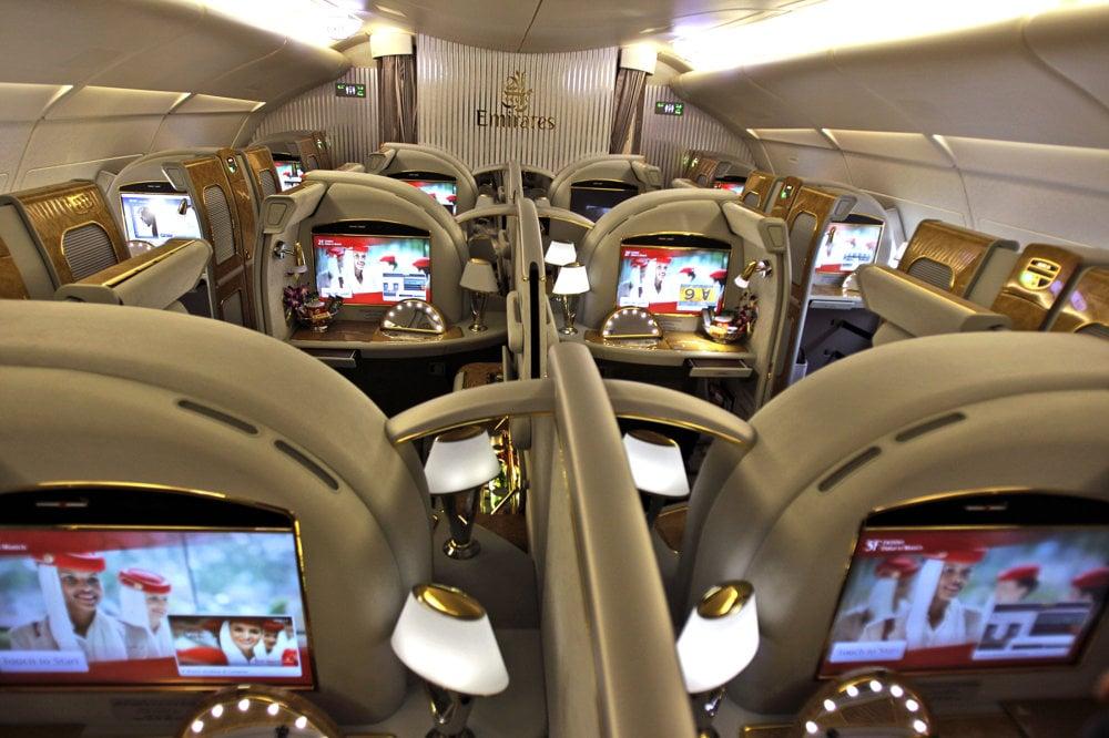 Prvá trieda v leteckej spoločnosti Emirates v roku 2013 v lietadle Airbus  A380. 0ab733fadb8