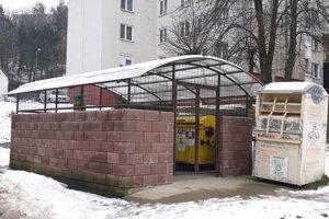 Jedno zo stojísk na odpad vo Vranove.