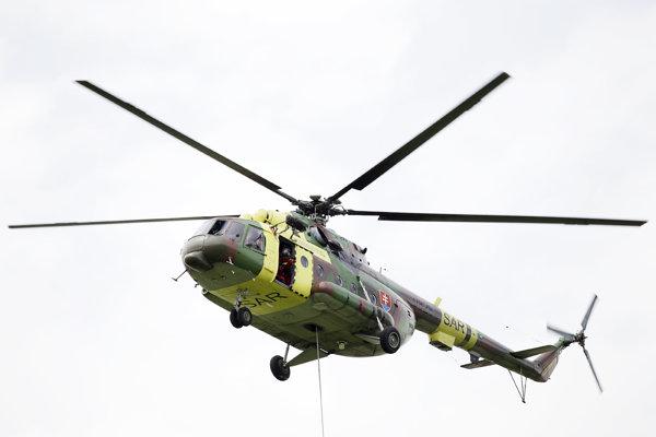 Vrtuľník Mi-17 z letky Leteckej pátracej a záchrannej služby
