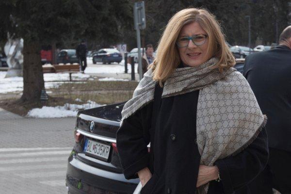 Podpredsedníčka vlády SR a ministerka pôdohospodárstva a rozvoja vidieka SR Gabriela Matečná prichádza na výjazdové 90. rokovanie vlády SR venované akčným plánom pre najmenej rozvinuté regióny v Hnúšti.