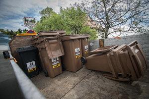 OLO rozviezlo takmer 10 tisíc hnedých nádob na bioodpad.
