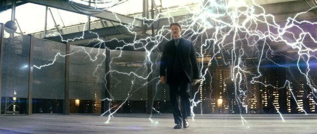 Takéto výboje tvoril vo filme Dokonalý trik, kde si zahral Nikolu Teslu.
