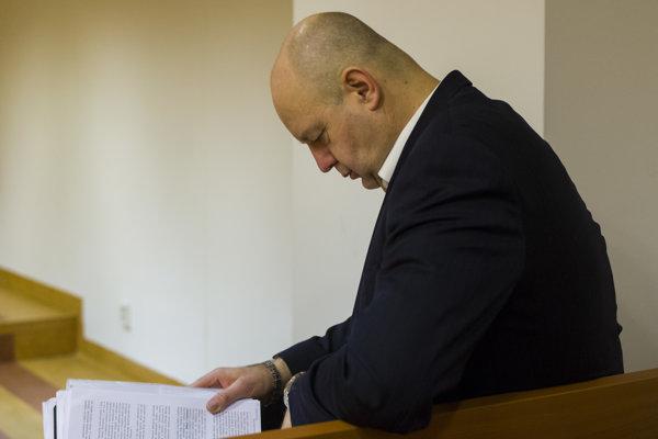 Exriaditeľ Markízy Pavol Rusko pred súdnym pojednávaním v spore týkajúcom sa zmeniek.