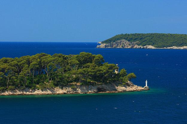 Na chorvátskom pobreží je 1244 ostrovov a ostrovčekov.