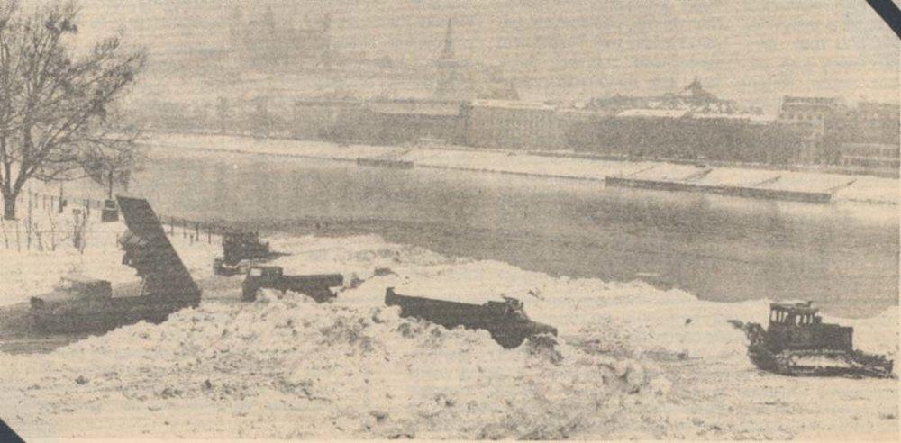 Sneh sa vozil do Petržalky na nábrežie k Lunaparku. Kolotoče vtedy nefungovali, zabávať sa dalo úplne všade.