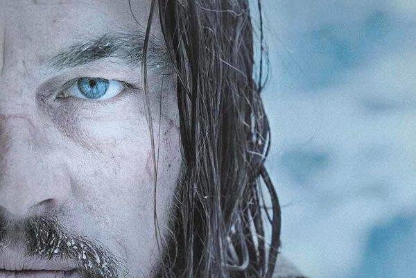 Leonardo DiCaprio vo filme The Revenant: Zmŕtvychvstanie.