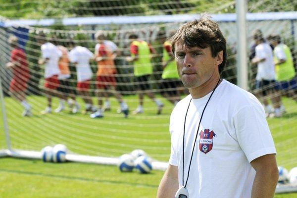 Ľubomír Moravčík pôsobil aj ako tréner. Snímka je spred 10 rokov zo Zlatých Moraviec.